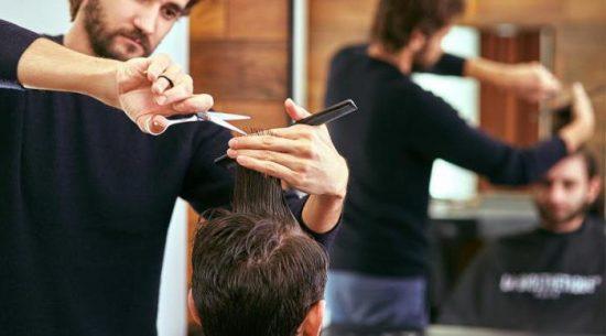 Вибір професії: чоловік-перукар